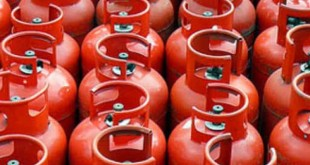 حکومت نے 15برس بعدایل پی جی کی قیمت کو ریگولیٹ کر دیا ، فی کلو قیمت بھی مزید 15روپے کم