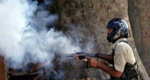 مقبوضہ کشمیر میں سخت کرفیو کے باوجود حریت رہنماؤں کی اپیل پر مظاہرے