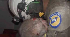 شام میں تباہ شدہ عمارت کے ملبے سے بچی کو زندہ نکالنے کی دل دہلا دینے والی ویڈیو