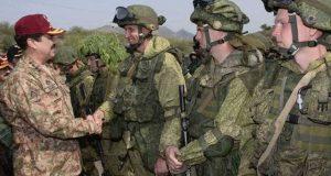 آرمی چیف جنرل راحیل شریف کا اٹک میں پاک روس مشترکہ فوجی مشقوں کا معائنہ