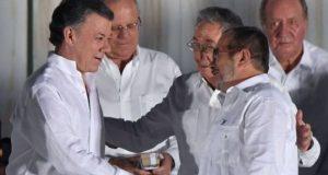 کولمبیا کے صدر کا نوبیل انعام کی رقم جنگ کے متاثرین کو دینے کا اعلان