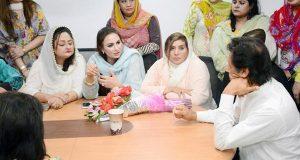 وزیر اعظم کے استعفے یا خود کو احتساب کیلئے پیش کرنے تک نہےں بیٹھیں گے'عمران خان