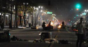 ڈونلڈ ٹرمپ کیخلاف امریکا میں شدید احتجاج، مشتعل افراد نے گاڑی کو آگ لگا دی