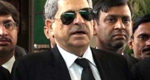 تحریک انصاف کے وکیل حامد خان نے پاناما کیس کی پیروی سے معذرت کرلی