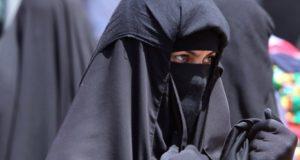 ہالینڈ میں خواتین کے برقع پہننے اور نقاب کرنے پر پابندی عائد