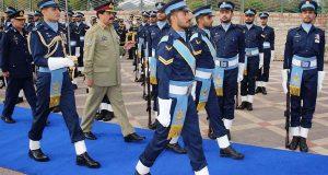 پاک فضائیہ نے سرحدوں کے دفاع میں کلیدی کردار ادا کیا: جنرل راحیل شریف