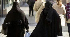 اٹلی: مسلمان خاتون کا نقاب کرنے پر30 ہزار یورو جرمانہ