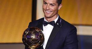 کرسٹیانو رونالڈو نے چوتھی بار دنیا کے بہترین فٹبالر کا اعزاز اپنے نام کرلیا