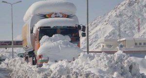 ملک کے مختلف علاقوں میں بارش اور پہاڑی علاقوں میں برف باری کا سلسلہ جاری