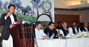 آرمی چیف پاکستان کی جمہوریت کے ساتھ ہیں' عمران خان