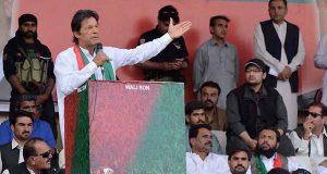 جندال آتا ہے اور کلبھوشن کو بچا لے جاتا ہے، عمران خان