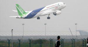 چین کے مقامی سطح پر تیار کردہ مسافر طیارے کی کامیاب پرواز