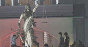 بنگلا دیش میں سپریم کورٹ کے باہر سے دیوی کا مجسمہ ہٹا دیا گیا