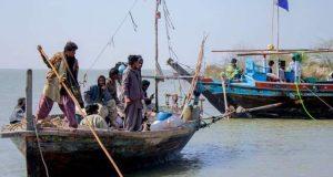 بدین کی 5 لاکھ ہیکٹر زرعی اراضی سمندر کا نوالہ بن گئی