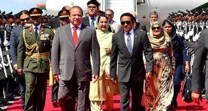 وزیر اعظم نواز شریف کا مالدیپ پہنچنے پر پرتپاک خیر مقدم