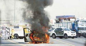 یو اے ای میں شدید گرمی کے باعث کھڑی گاڑیوں میں آگ بھڑکنے لگی