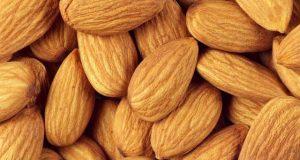 بادام کھانے سے جسم میں مفید کولیسٹرول کی مقدار بڑھ سکتی ہے
