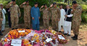 ملک سے باہر جا کر: پاکستان اور فوج کو گالیاں دینے والے نہیں بچیں گے: آرمی چیف