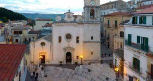 اٹلی کے شہر کینڈیلا میں رہائش کے ساتھ دو ہزار یورو بھی حاصل کریں