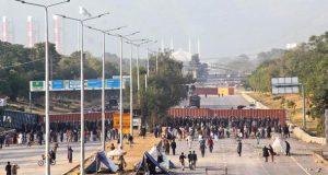 اسلام آباد دھرنا، مظاہرین وزیرقانون کے استعفے کے مطالبے پر ڈٹ گئے