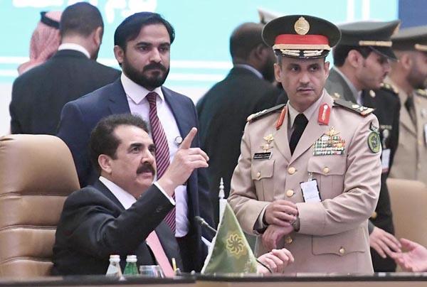 ریاض،دہشگردی کیخلاف اسلامی فوجی اتحاد کے سربراہ جنرل (ر)راحیل شریف ایک اعلیٰ سطحی اجلاس میں شریک ہیں