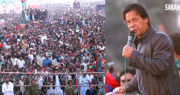 چشتیاں، چیئرمین پاکستان تحریک انصاف عمران خان ایک بڑے جلسہ عام سے خطاب کر رہے ہیں