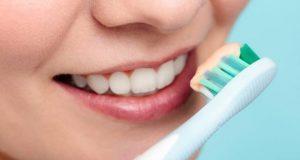 دانت صاف نہ کرنے والے افراد کو غذائی نالی کے کینسر کا خطرہ