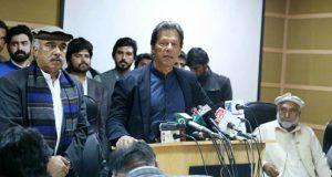 عوام گھروں سے نکلیں ، حقِ رائے دہی جوق در جوق استعمال کریں:عمران خان