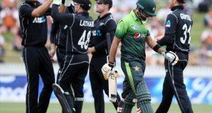 چوتھے ون ڈے میں نیوزی لینڈ نے پاکستان کو 5 وکٹوں سے شکست دیدی