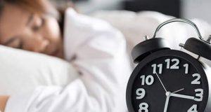 نیند کی کمی میٹھا کھانے کی طلب کو بڑھاتی ہے