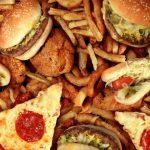 جنک فوڈز، کیک اور چکن نگٹس کینسر کا سبب بن رہے ہیں، تحقیق