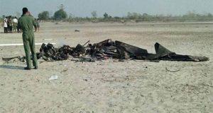 بھارتی فضائیہ کا طیارہ گرکر تباہ، 2 ونگ کمانڈرز ہلاک