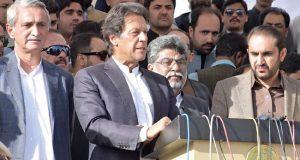 شریف ڈاکٹرائن کا واحد مقصد کرپشن، وزیر اعظم نے نواز شریف کو بچانے کیلئے یقینا ہاتھ جوڑے ہونگے، عمران خان