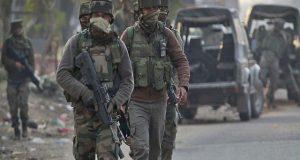 مقبوضہ کشمیر میں مسلح افراد کی فائرنگ، 4 بھارتی سیکورٹی اہلکار ہلاک