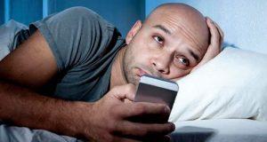 نیند پوری نہ ہونے سے دماغ خود کو 'کھانا' شروع کردیتا ہے