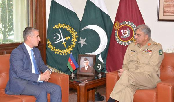 راولپنڈی:۔ آ رمی چیف جنرل قمر جاوید باجوہ سے آذربائیجان کے سفیر علی زادہ ملاقات کر رہے ہیں