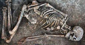 چار ہزار سال قدیم انسانی ہڈیوں پر پُراسرار نقش و نگار