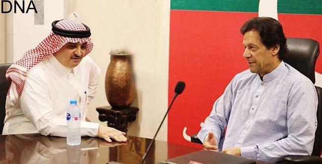 اسلام آباد:۔ چیئرمین پاکستان تحریک انصاف عمران خان سے سعودی سفیرنواف سعید المالکی ملاقات کر رہے ہیں