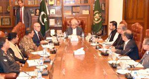 وزیر اعظم جسٹس (ر) ناصر الملک کی کوئٹہ آمد شہید سراج رئیسانی کے خاندان سے اظہار تعزیت