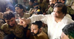 ایفی ڈرین کوٹہ کیس: حنیف عباسی کو عمر قید، کمرہ عدالت سے گرفتار