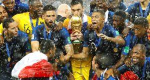 فٹبال ورلڈکپ 2018: عالمی چیمپیئن کا تاج فرانس کے سرسج گیا