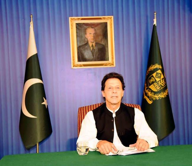 اسلا م آباد:۔ وزیر اعظم عمران خان قوم سے پہلا خطاب کر رہے ہیں