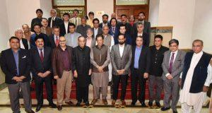 ہوسکتا ہے آئی ایم ایف کے پاس نہ جانا پڑے:مشکل فیصلے کر رہے ہیں،مسائل پر جلد قابو پا لےں گے، عمران خان