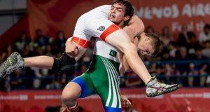 یوتھ اولمپکس؛ پاکستانی ریسلر عنایت اللہ نے امریکی حریف کو شکست دے دی