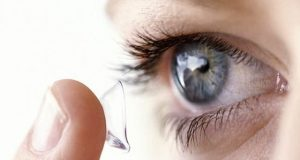آنکھوں کے زخم بھرنے کیلئے زندہ خلیات پر مشتمل لینس تیار