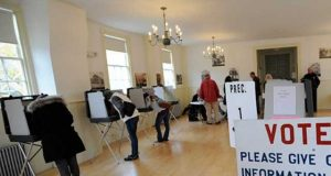 امریکی مڈٹرم الیکشن میں ڈونلڈ ٹرمپ کو دھچکا، ڈیموکریٹس کامیاب
