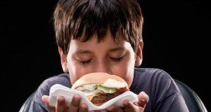 غیرصحت بخش کھانوں کی لت سے جان چھڑانے کا آسان طریقہ