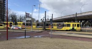 ہالینڈ میں میٹرو ٹرین پر فائرنگ سے 3 افراد ہلاک، 9 زخمی