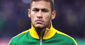 برازیلین فٹ بال اسٹار نیمار نے تماشائی کو مکا دے مارا