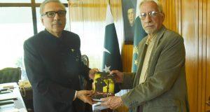 غلام اکبر ۔ ڈاکٹر عارف علوی ملاقات، ملکی سیاسی، معاشی صورتحال پر تبادلہ خیالات